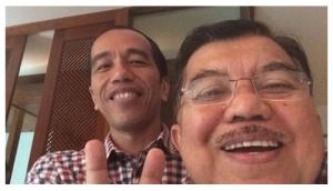 jokowi-selfie-handphone-iphone-5s