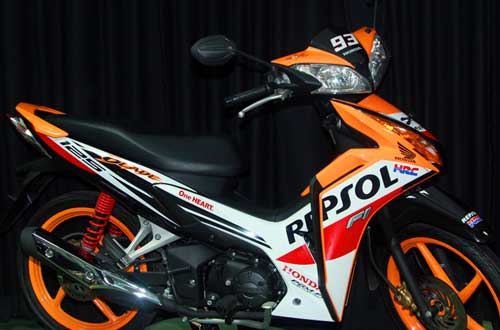 Honda-CBR150R-Blade-Champion-Edition-3